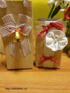 Упаковка для подарков своими руками. Декор лентами и кружевом